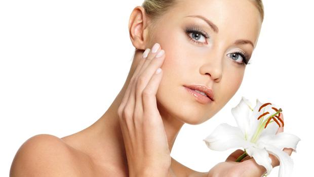 Qué son y por qué nos salen manchas en la piel: ¿podemos eliminarlas?